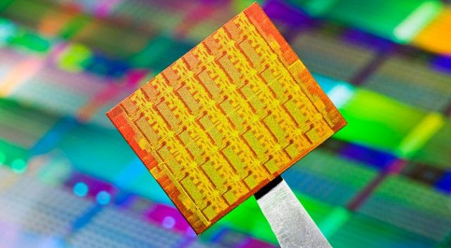 Intel 22 nm-es ostya